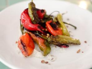20120904-221377-veg-option-bellwether-peppers